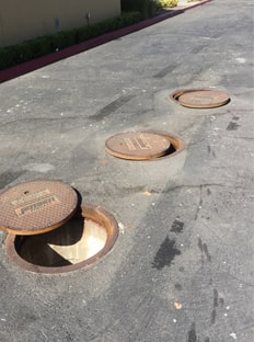 Grease Interceptor Baffle Repair and Installation Service for commercial restaurants.  Plumbers installers of grease interceptor in Los Angelels and Orange County California.